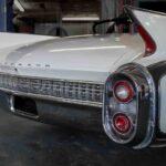 Rien de tel que des ailerons pour dire «Cadillac» et «années '60.» Cette Cadillac Eldorado Biarritz 1960, une décapotable, est un exemple parfait. On se sait pas si elle va avancer ou décoller, mais ça «looke» comme un roman de science-fiction.