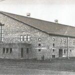 L'aréna Melançon, à Saint-Jérôme, lors de sa construction en 1952.