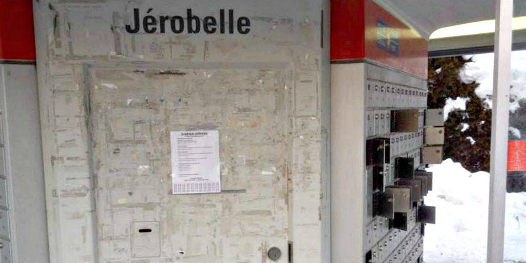 Les boîtes postales sont vidées régulièrement de leur contenu sur le boulevard Jérobelle, mais pas par leur propriétaire.