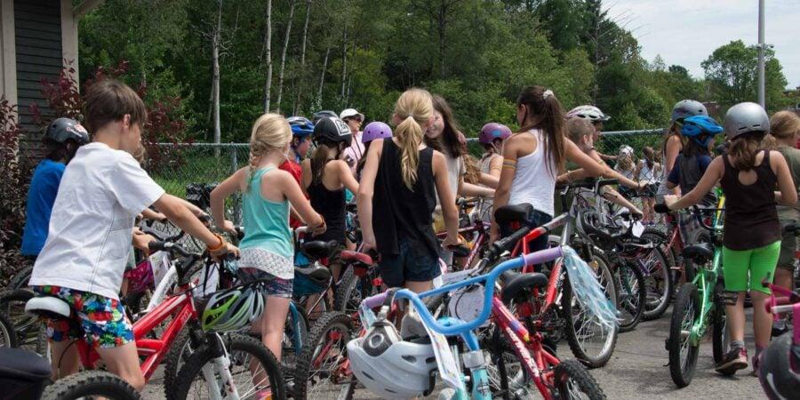 Les optimistes de Saint-Sauveur ont organisé une journée de sécurité à bicyclette pour les jeunes, le 12 juillet 2016.