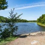 Le lac Jérôme, un plan d'eau qui fait partie des terrains destinés à un futur parc-nature à Saint-Jérôme.