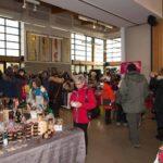Le Marché de Noël de Sainte-Adèle regroupe près de 60 exposants, qui offrent leurs merveilles pour le temps des Fêtes.