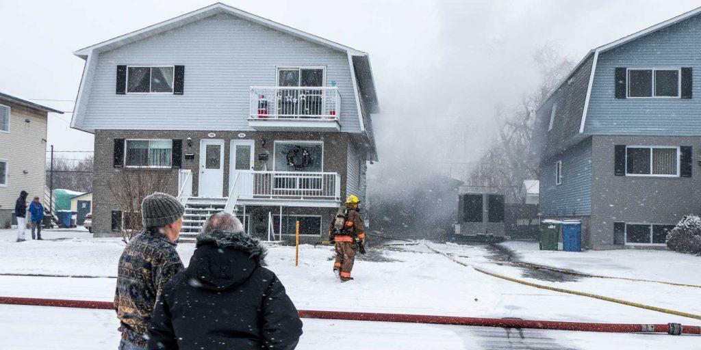 Il y avait un incendie dans un garage de la 10e rue à Saint-Jérôme, le 5 décembre 2016.