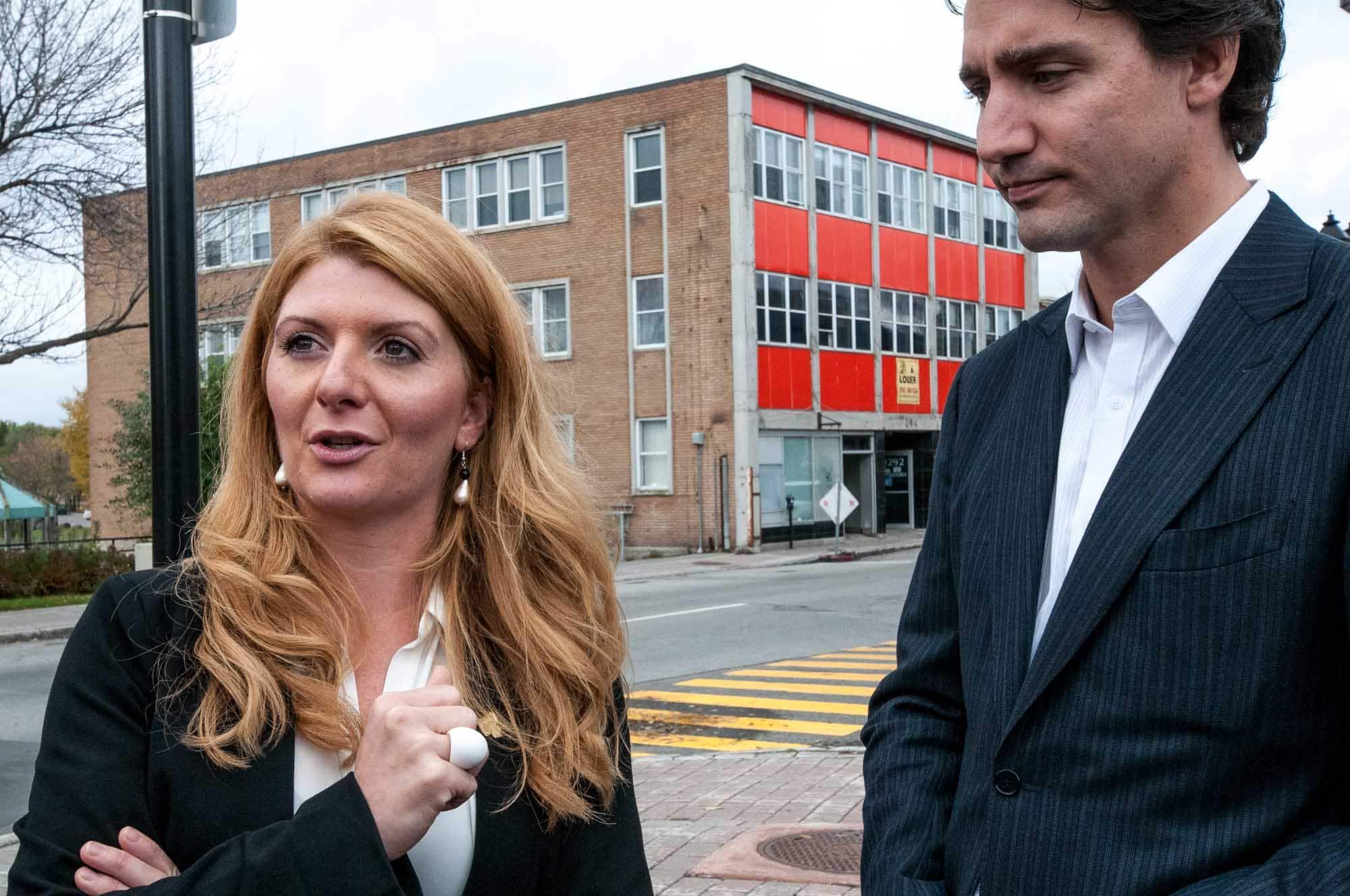 En octobre 2014, Janice Bélair Rolland était déjà désignée comme la candidate du Parti libéral du Canada, plus d'un an avant les élections qui ont fait de Justin Trudeau le premier ministre, en octobre 2015.