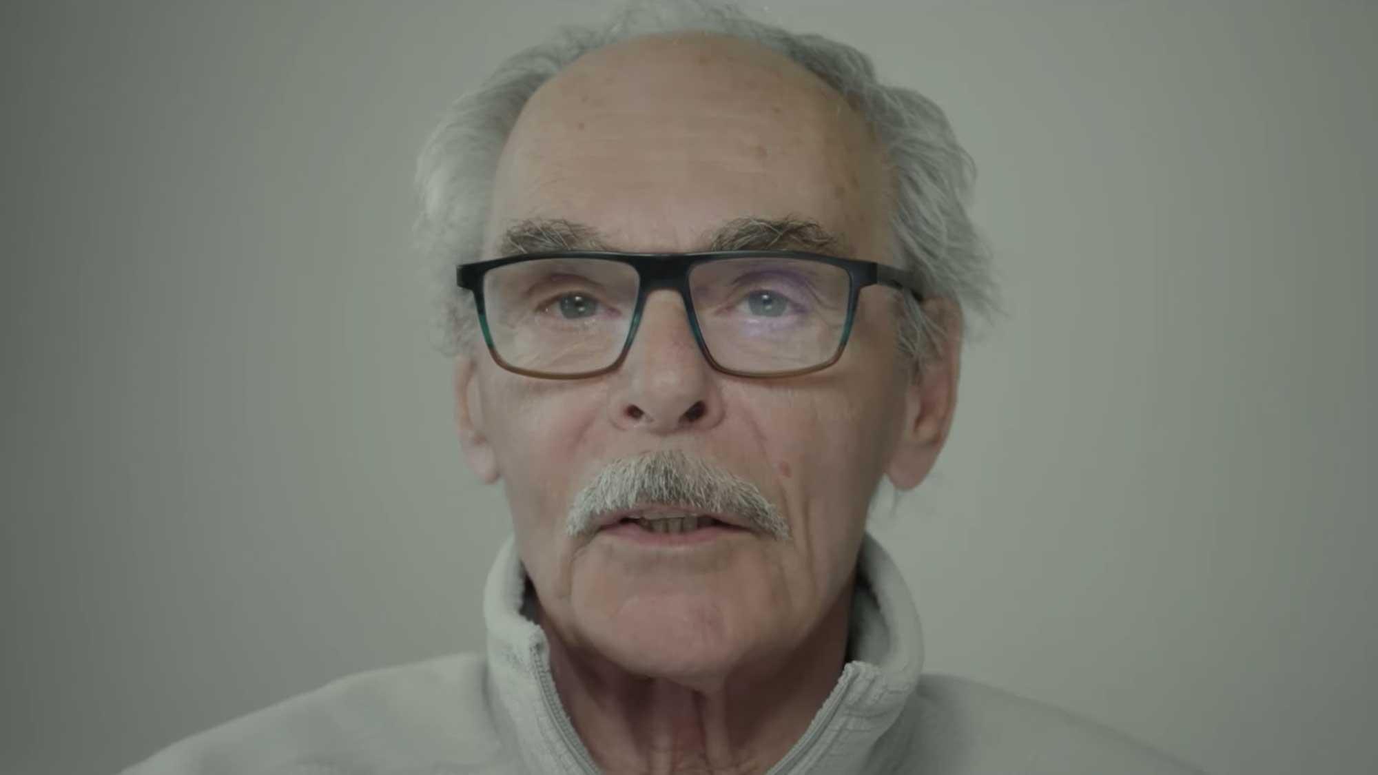 Le réalisateur Jean Beaudin offre un témoignage touchant dans le film de son collègue et ami Fernand Dansereau.