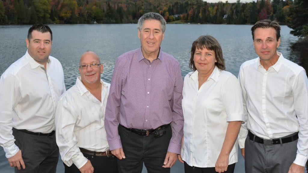 Quatre des cinq candidats qui font équipe avec Gilles Rousseau, ancien maire de Saint-Hippolyte,. entre 2005 et 2009.