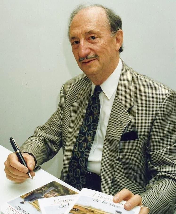 Le docteur Jean-Paul Thibault, lors du lancement de son ouvrage L'autre côté de la rive, en 1991. (Photo Société d'histoire de la Rivière du Nord – Fonds L'Écho du Nord)