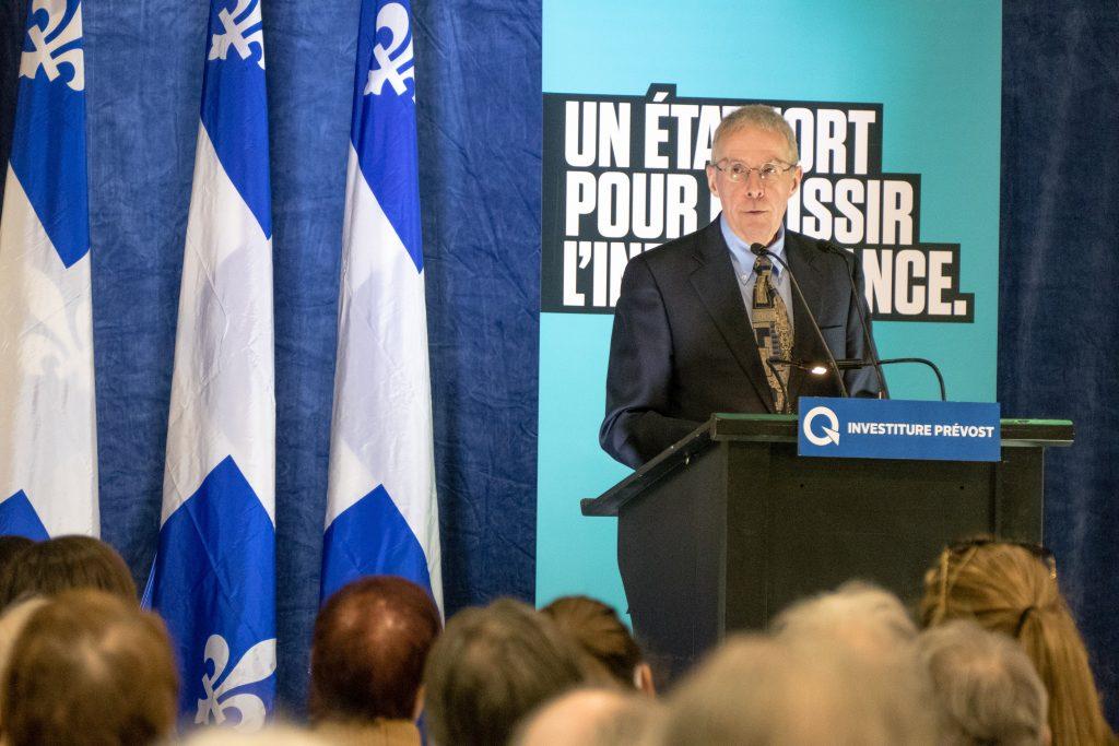 Le président de cette élection, Pierre Bouchard, a expliqué les règles.