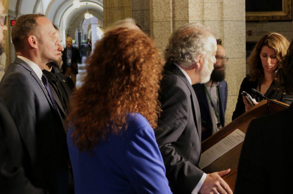 Rhéal Fortin lors d'un point de presse à Ottawa, le 1er mai 2018. Photo fournie par le bureau du député