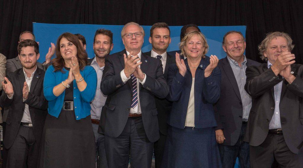 Véronique Hivon et Jean-François Lisée accompagnaient les candidats du Parti québécois de la région au Pavillon Lionel-Renaud à Sainte-Sophie, le 23 août 2018.