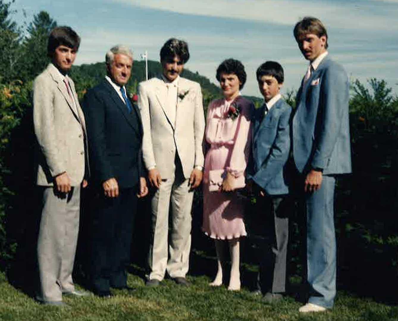 Gilles Richer et yvette Lebeau avec leurs quatre garçons.