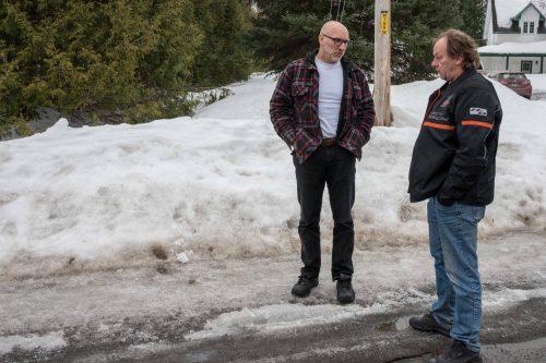 Depuis le début du printemps, Martin Cyr et André Bédard appréhendent la fonte des neiges et les inondations qu'ils sont certains de subir.