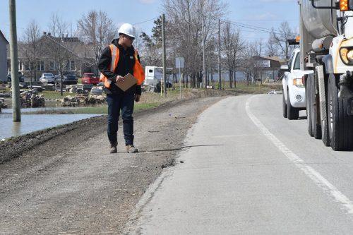 On inspectait la route 158 le 29 avril 2019. Photo par Alain St-Jean