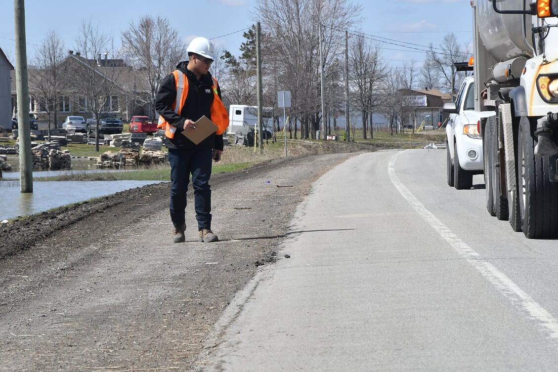 On inspectait la route 158 le 29 avril 2019. Photo par Alain St-Jean